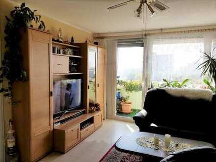 Lichtdurchflutete und modernisierte 3-Zimmer-Wohnung mit idealem Grundriss!