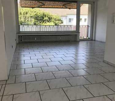 Exklusive, vollständig renovierte 3-Zimmer-Wohnung mit Balkon in Köln - Brück