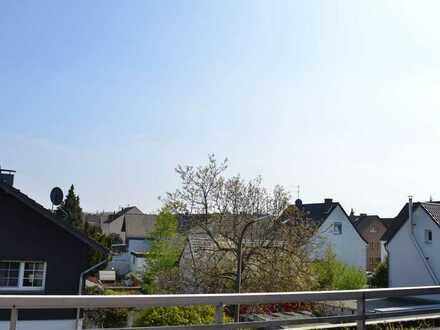 Schön geschnittene, helle 4 Zimmer Maisonette-Wohnung in Niederkassel-Mondorf