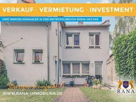 """WohnfreundlichesEinfamilienhaus mit Terrasse, Garten & PKW-Stellplatz in """"fast"""" zentraler Lage"""