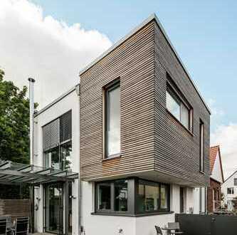 Moderne, zweigeschossige Studio-Wohnung mit Dachterrasse und kleinem Garten in Wiedenbrück