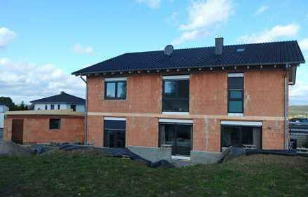 Schicker Neubau in bester Lage von Warburg-Ossendorf