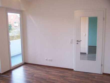 Günstige 3-Zimmer-Erdgeschosswohnung mit Balkon und EBK in Rendsburg