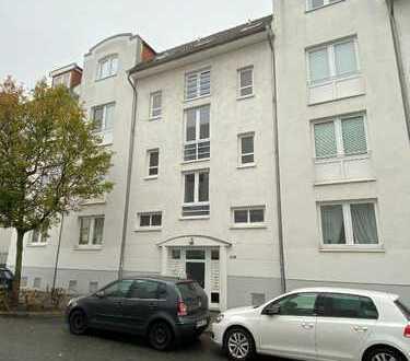 Zwei-Zimmer Maisonette-Wohnung mit zwei Balkonen und zwei Bädern in der Neustadt