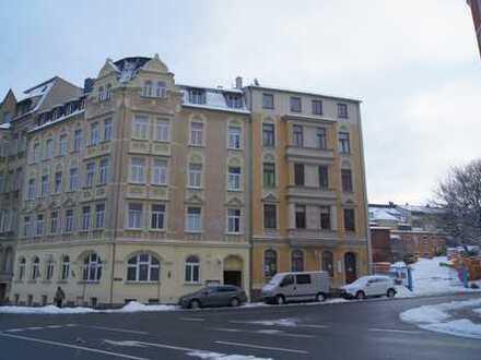 Altbau in Plauen. Zentrumsnahe 2-Zimmer Wohnung. Bezugsfrei.