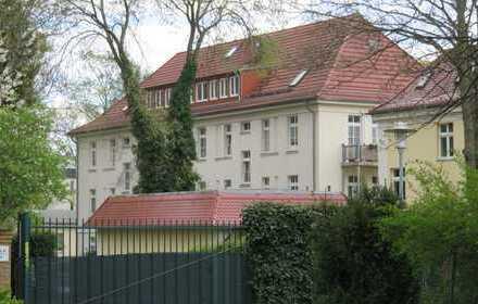 Wohnen auf parkähnlichem Grundstück mit Balkon und EBK