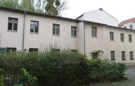 Potsdam Babelsberg, Mehrfamilienwohnhaus mit 4 WE voll Vermietet!!