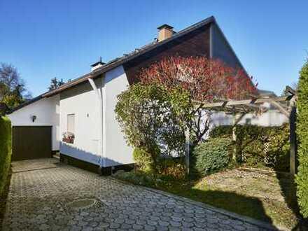 WINDISCH IMMOBILIEN - Familienfreundliche Doppelhaushälfte mit Potenzial - zentral in Gröbenzell!
