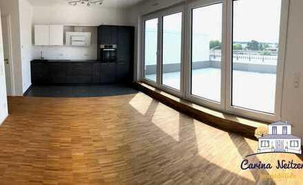 Erstbezug! Hochwertig! Penthouse mit großer Dachterrasse und hochwertiger Markenküche.