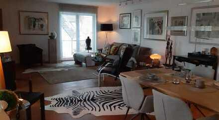 Stilvolle, geräumige und neuwertige 3-Zimmer-Wohnung mit Balkon und EBK in Recklinghausen