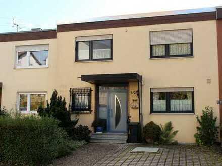 Großzügig geschnittenes, helles Haus mit 6,5 Zimmern in ruhiger Lage in Waiblingen.