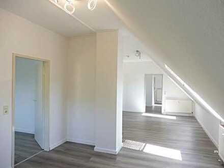 Helle, modern renovierte 2,5-Zimmer-Wohnung in Böblingen-Dagersheim