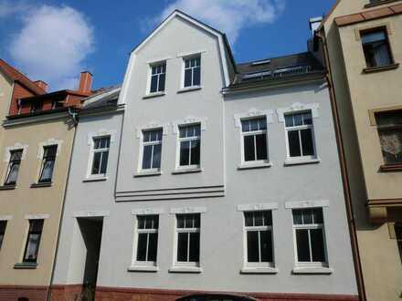 **Rohbau-Wohnung in teilmodernisiertem Haus in der ZV**