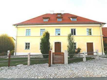 Wohnen und Arbeiten im exklusiven Denkmalhaus in wunderschöner Umgebung