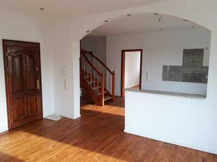 Großzügige, zentral gelegene Maisonette Wohnung mit 2 Balkonen