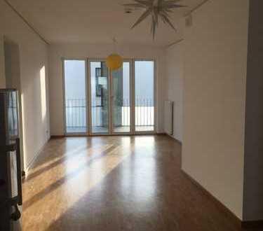 Helle 4-Zimmer-Wohnung mit Balkon in Heidelberger Bahnstadt