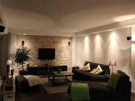 TOP sanierte Wohnung in absolut ruhiger Wohnlage! Miete inkl. EBK ! Provisionsfrei !!!