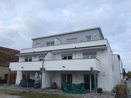 Helle 3 Zimmer OG-Wohnung mit großem Balkon und 2 TG-Stellplätzen