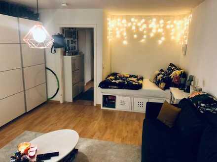 Z12 - tolle, sehr schöne und helle, freundliche 1 Zimmer Wohnung