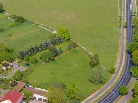 Gewerbefläche direkt am südlichen Eingang zum Temnitzpark, voll erschlossen und sofort bebaubar!