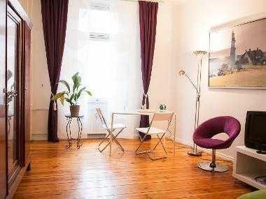 Freie, einfühlsam restaurierte Ein-Zimmer-Wohnung in Kreuzkölln