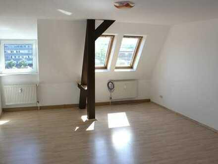 Komplett renovierte 2-Raum-ETW mit ca. 61m² WFL in Gera Debschwitz mit Tageslichtbad inkl. Wanne