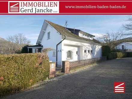 Baden-Baden, geräumiges Haus mit Doppelgarage auf großem Grundstück!