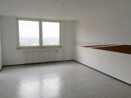Sanierte, helle 2 Zimmerwohnung mit Balkon und tollem Fernblick