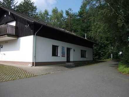 Wohnen und arbeiten unter einem Dach- Wohn- und Geschäftshaus im Ferienpark Himmelberg,Thalfang