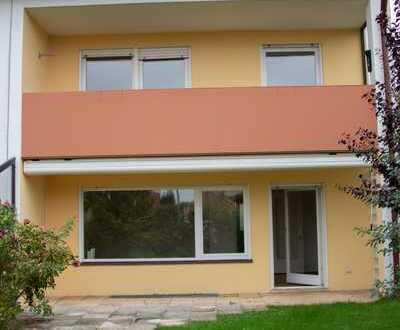 Attraktive und gepflegte 6-Zimmer-Doppelhaushälfte in Nordost, Ingolstadt