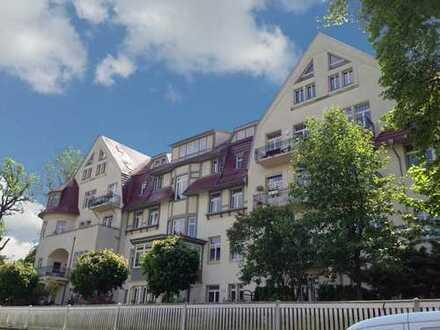 Traumhafte 4 Zimmer-Wohnung mit fantastischem Blick am Loschwitzer Elbhang mit großem Balkon