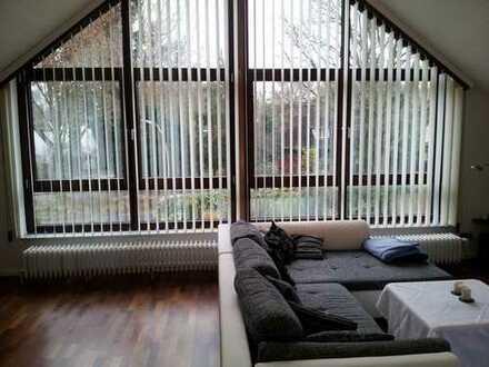 Stilvolle, gepflegte 3,5-Zimmer-Wohnung mit Balkon und Einbauküche in Niendorf, Hamburg