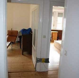Sonnige 2-Zi.-Wohnung mit Charme in zentraler Lage