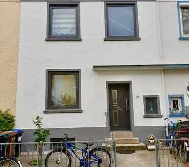 RESERVIERT bis 15.07.2019 - Unsere Empfehlung: renoviertes Altbremer Reihenhaus in Findorff
