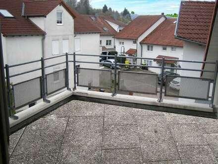 Tolle 3-Zimmer-Dachgeschoßwohnung mit Sonnenterrasse und Einzelgarage- sofort frei!