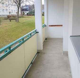 komfortable 4 Zimmer-Wohnung mit Balkon