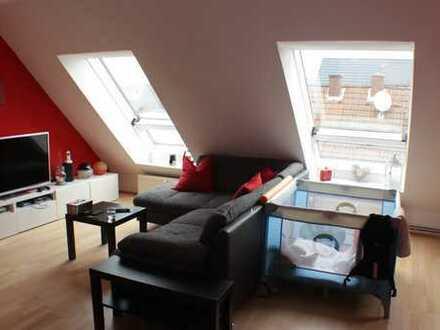 ***Helles Dachgeschoss mit großem Balkon und PKW-Stellplatz*** 61137 Schöneck Zur Karte