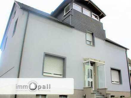 !!Freistehendes 2-Familienhaus mit attraktiver Maisonette-Wohnung und Garten in Bo-Stiepel!!