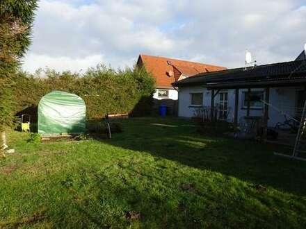 Kleiner Bungalow in ruhiger Wohnlage mit Blick ins Grüne.