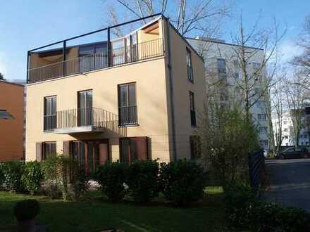 FREISTEHENDE 200 m² Stadtvilla im italienischen Stil mit 2 GARAGEN