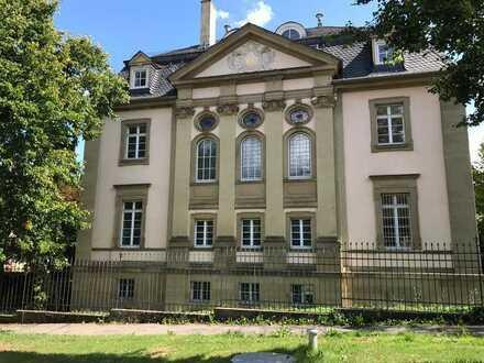 Gepflegte Maisonette-Wohnung mit einem Zimmer sowie Balkon und EBK in Pforzheim