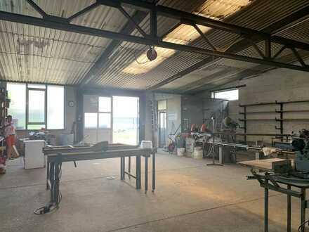 Ruhiges Gewerbe: Werkstatt/Lager plus Freigelände auf Wunsch