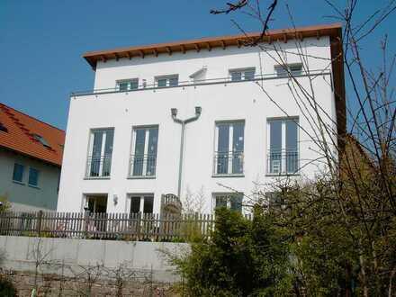 Doppelhaushälfte zum Wohlfühlen in Bergen-Enkheim von privat
