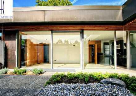 Architektenbungalow mit mehr Platz als es scheint durch Hobbyraum - Pool-und Saunanutzung