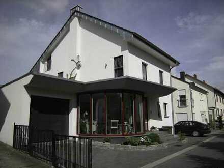 Modernes Wohnhaus in sehr guter Lage von Brühl