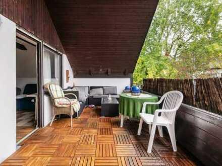 Kompl.möblierte, 3-Zimmer-DG-Whg mit großer Dachterasse, Küche Bad u extra Toilette in Riemerling