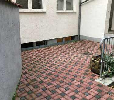Wohnen und arbeiten unter einem Dach in einem sehr schönen Hinterhaus im Herzen von Offenbach!