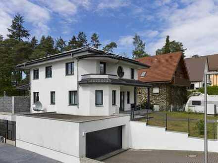 Beeindruckend  Einfamilienhaus mit Garage