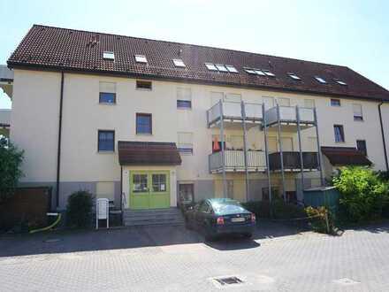 2 Zimmer Wohnung mit Balkon und Garagenstellplatz zu vermieten!
