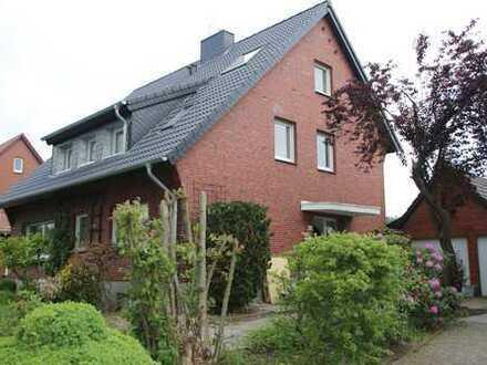 Helles Zweifamilienhaus in ruhiger Lage mit getrennten Wohnungen